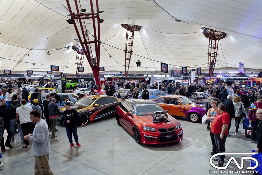 Strugglin VE HSV Wagon Motorex 2014 cad photography